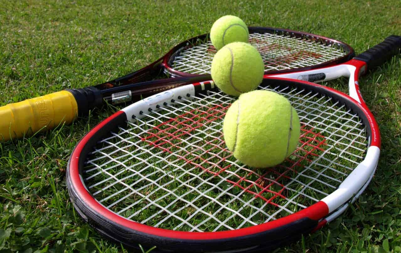 Best Synthetic Tennis Strings Photo